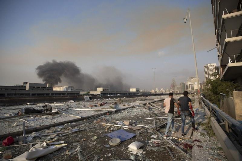 Enormes explosiones en Beirut dejan heridos y daños