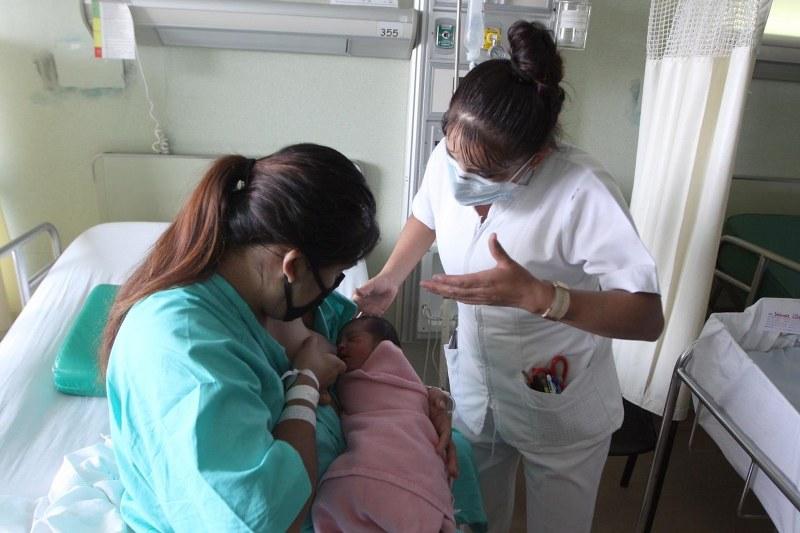 Por brindar anticuerpos contra el SARS-CoV-2, se aconseja continuar la lactancia materna durante la emergencia sanitaria