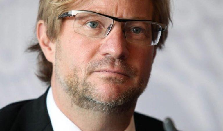 Embajador de la UNESCO es separado de su cargo por denuncias de abuso sexual