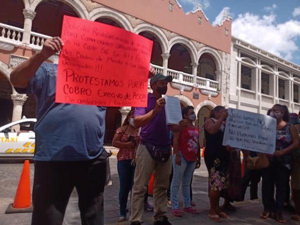 Ambulantes denuncian que los obligan a grabar videos en apoyo a Renán Barrera