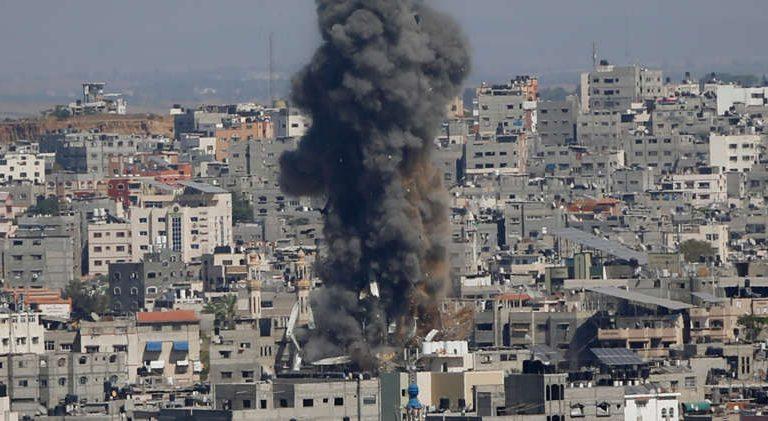 Israel ataca con tanques el norte de Gaza