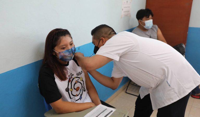 Inicia vacunación entre 18 y 29 años en 10 municipios del estado