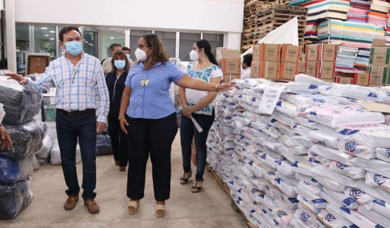 Inicia distribución de los primeros 86 mil paquetes escolares