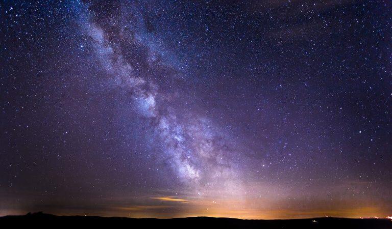 Señal de radio emitida desde el centro de la Vía Láctea